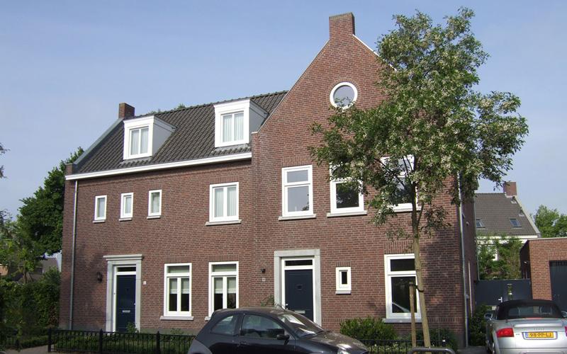 2-onder-1 kap Woning Brandevoort